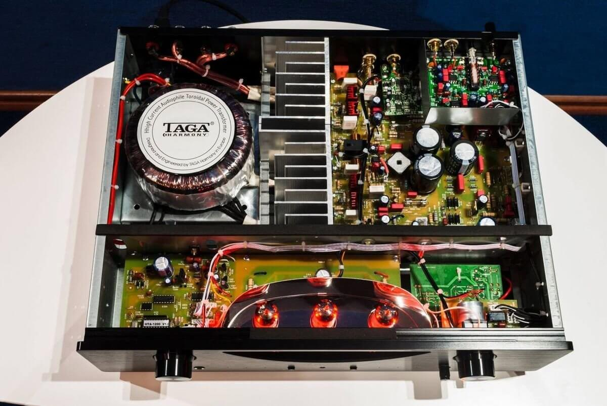 Taga Harmony HTA-1200